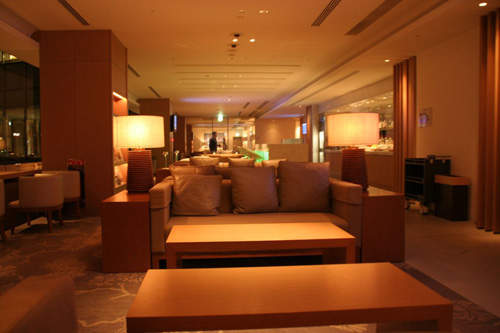 Airline lounges at Narita International Airport were extended and now cover an area of 2,400m².