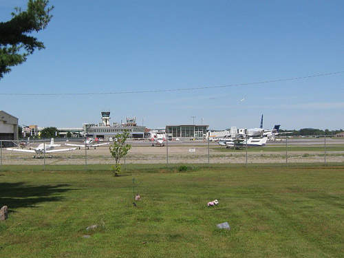Burlington International Airport spreads over an area of 942 acres and features two runways of asphalt construction.
