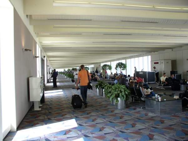 Passenger concourse A of the Greenville-Spartanburg airport. Image courtesy of blahedo.
