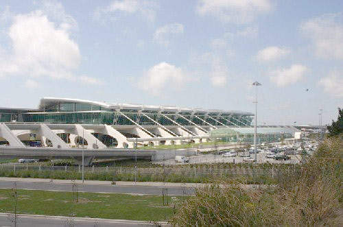 Francisco SA Carneiro Airport's new terminal building cost €108m.