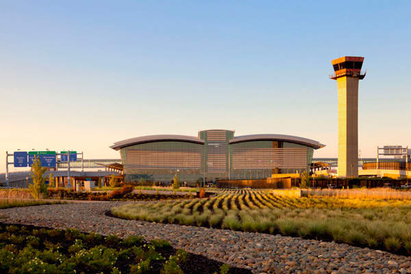 The new Terminal B at Sacramento International Airport was opened in October 2011. Image courtesy of Jason A. Knowles © Fentress Architects.