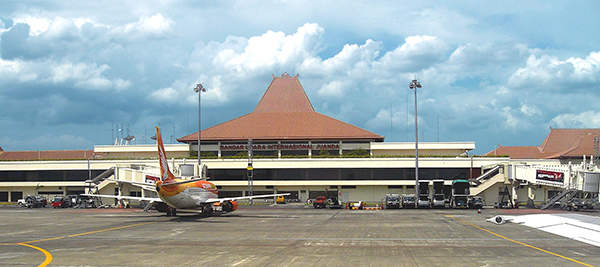 Juanda International Airport serves Surabaya, the capital city of East Java, Indonesia. Image courtesy of Gunawan Kartapranata.