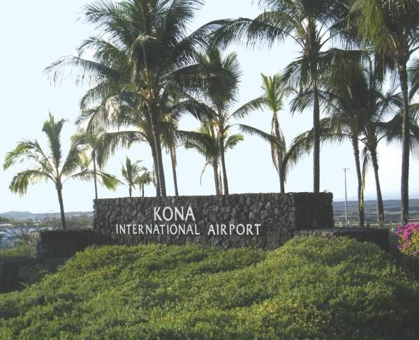 Ellison Onizuka Kona International Airport is located seven miles from Kailua-Kona town on the island of Hawaii. Image courtesy of Travis.Thurston.