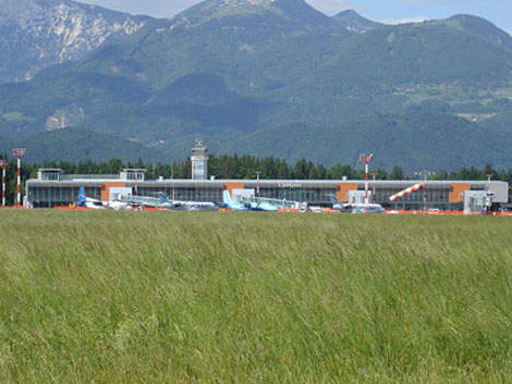The setting for Ljubljana-Jože Pučnik Airport is breathtaking and there is ample land for expansion.