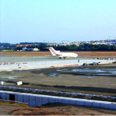 Malaga Airport's second runway will be important as flights and passenger numbers increase beyond the 2006 figures.