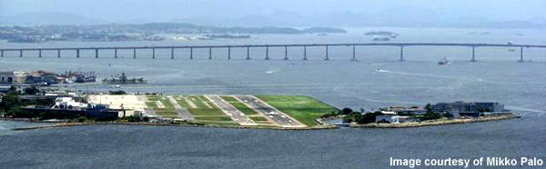 Santos Dumont Airport has been built on reclaimed land and has some of the shortest runways in the world. Further development into the bay is prohibited.