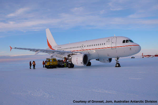 First Airbus landing at Wilkins Ice Runway.