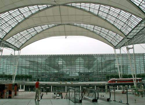 Built on a large site in the modern era, MUC incorporates a more comprehensive infrastructure than most European airports.