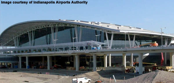 The arched roof of the terminal is of a symbolic significance to Indianapolis and also performs an important cooling function.