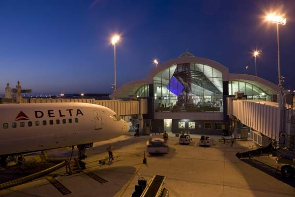 Jacksonville Airport is owned and operated by Jacksonville Aviation Authority. Image courtesy of Jacksonville International Airport.