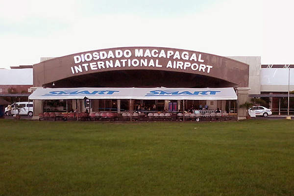 The passenger terminal building at Clark International Airport before expansion. Image courtesy of Jammaekas.