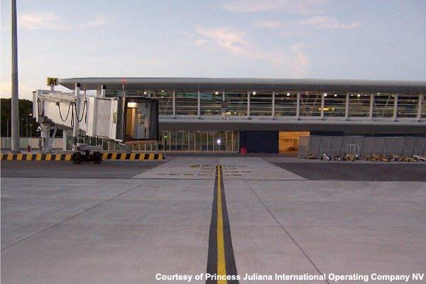 One of Princess Juliana Airport's jet bridges.