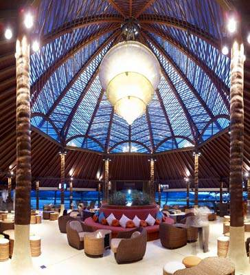 Inside the stunning new terminal at Samui airport.