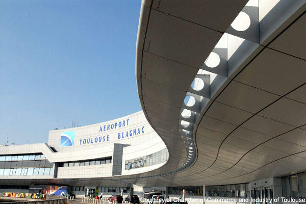 The front entrance of Toulouse Airport.