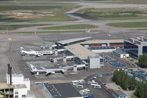 Helsinki Airport has two terminals and three runways. Image courtesy of Finavia Corporation.
