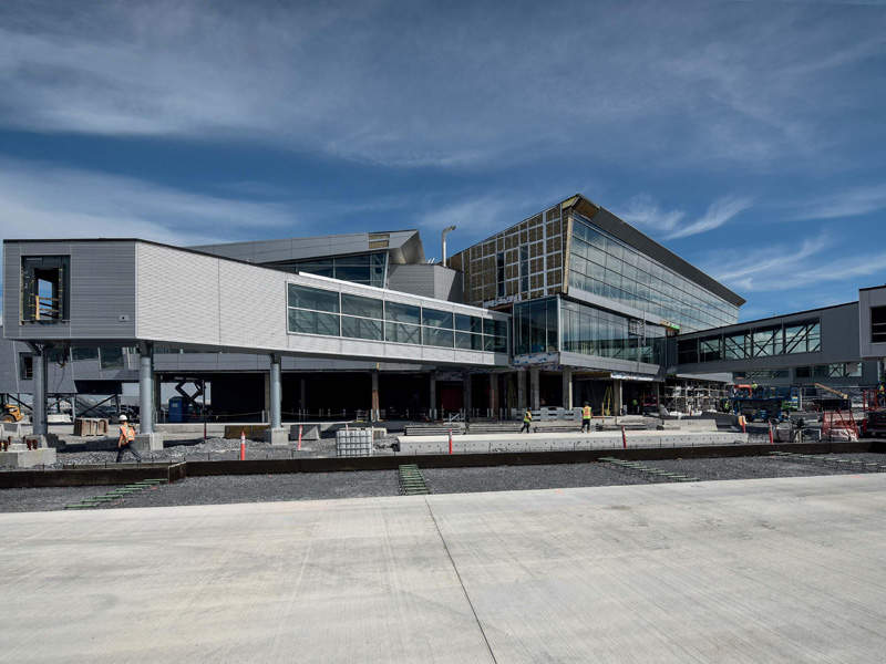 The existing international jetty was extended as part of the expansion. Credit: Aéroports de Montréal.