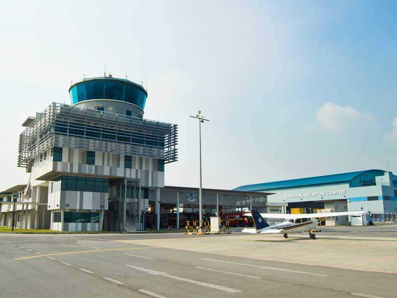 A new control tower was opened at the airport to replace the old one. Image courtesy of Civil Aviation Authority of Singapore.