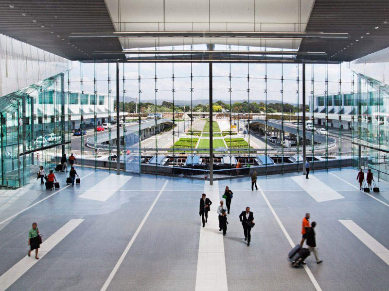 The terminal features floor-to-ceiling windows. Image courtesy of Capital Airport Group Pty Ltd.