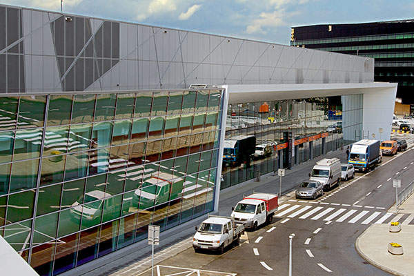 The terminal A was constructed by integrating the existing Terminal 2. Image: courtesy of Dariusz Kłosiński / Polish Airports.