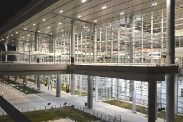 The terminal is made up of glass and steel.  Photo courtesy of Airports Authority of India.