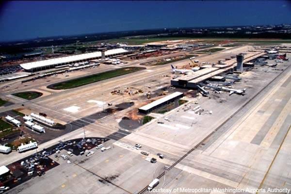Concourse B of Washington Dulles International prior to development.