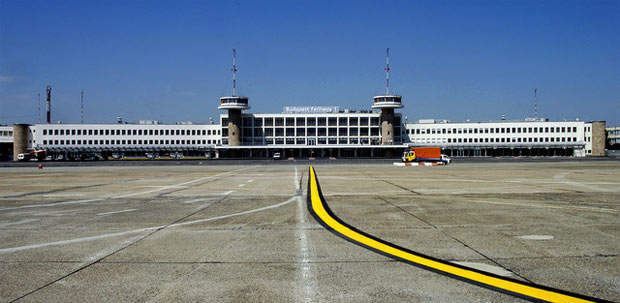 In April 2006 the new taxiway, named Julietta, was opened.