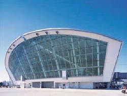 The terminal, which was completed in late 2002, is a mainly glass structure that makes full use of natural light.