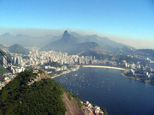 The airport is 1km-2km from downtown Rio and is very convenient for business people.