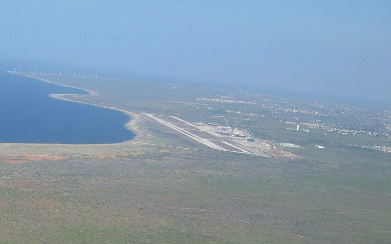 Curacao airport's runway is the second longest in the Caribbean. Image courtesy of Alex.