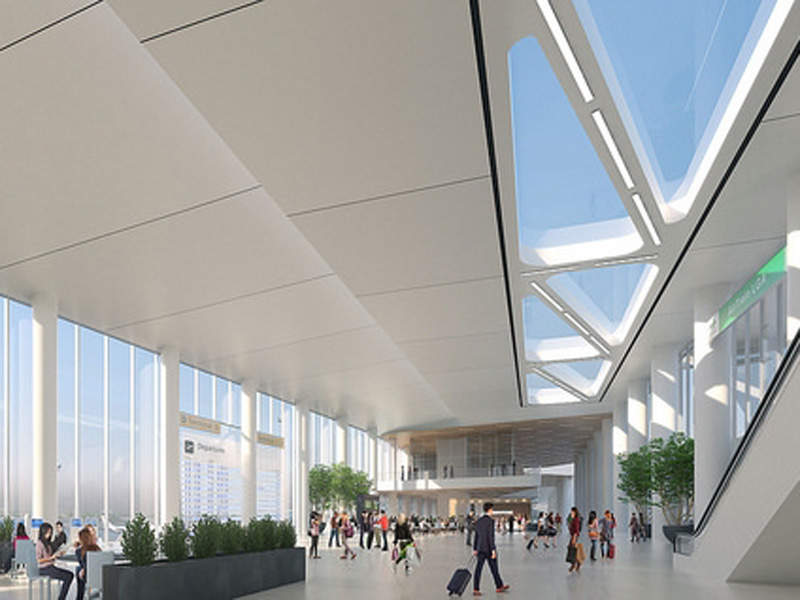 The new terminal will feature a spacious central hall. Image: courtesy of State of New York.