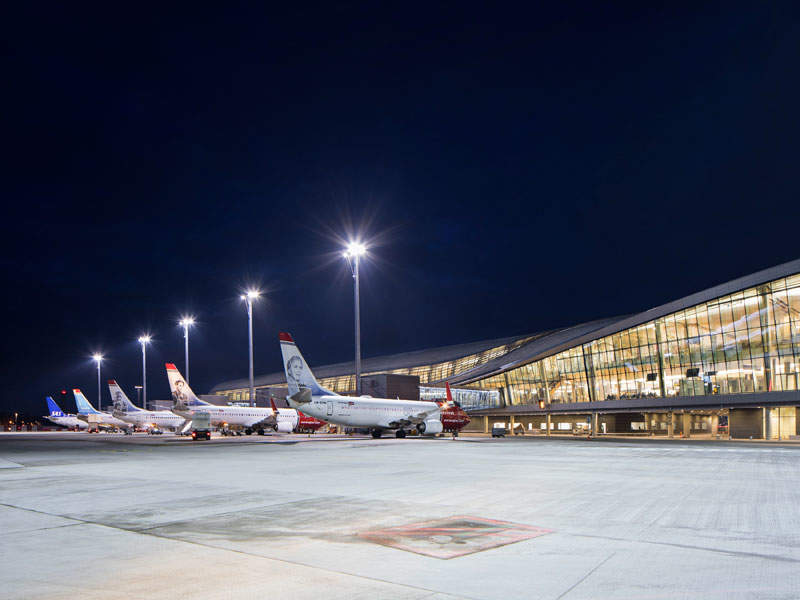 The new pier at Oslo airport features 17 new aircraft gates. Image courtesy of NORDIC Office of Architecture/Ivan Brodery.