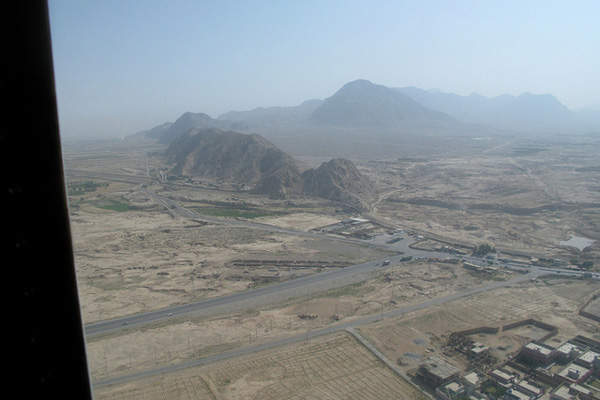 Quetta International Airport has a single runway. Image courtesty of Begemot.