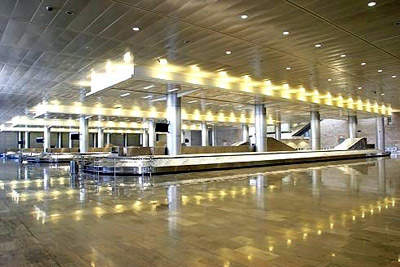 The arrivals hall has state-of-the-art baggage handling equipment and a host of facilities for arriving passengers.