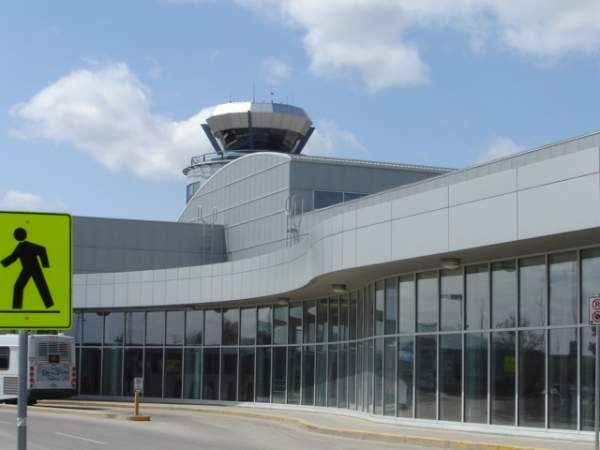 The airport has a single terminal with a total floor space of 110,000ft2. Image courtesy of SriMesh.