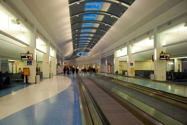 Jacksonville airport has a two-level main passenger terminal. Image courtesy of Jacksonville International Airport.