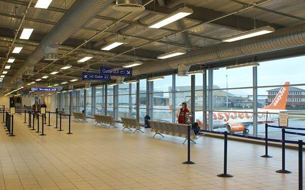Adding more gates and improved airside facilities, the new terminal also closed Luton Airport's original access road.