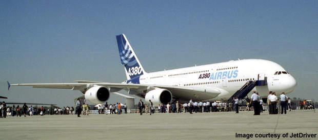 Santiago Airport handled 9,017,718 passengers in 2008.