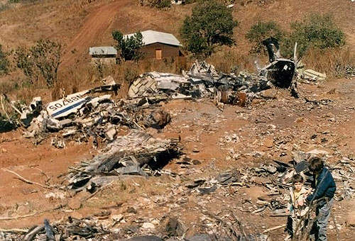 A Boeing 727-200 flight crashed at the airport due to bad landing procedures in October 1989.