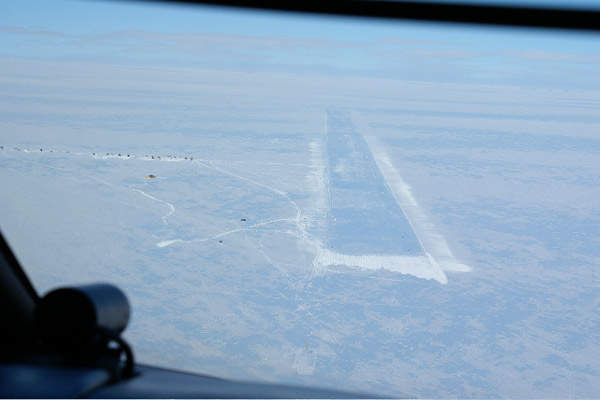 Overflight of Wilkins Ice Runway.
