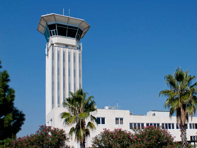 The air traffic control tower at Split Airport. Image courtesy of Ballota.