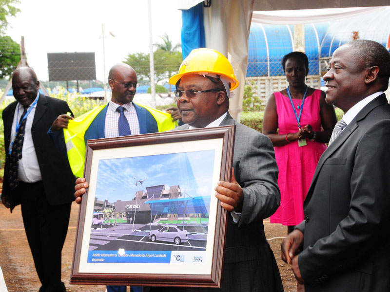 A new passenger terminal building will be built to accommodate up to 930 arriving and 820 departing passengers during peak hours. Image courtesy of Ministry of Works & Transport of Uganda.