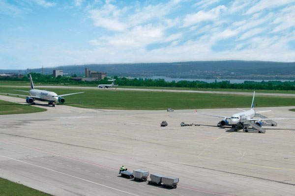 The airport has a 2,500m long and 60m wide runway. Image courtesy of Мелиха Касачева.