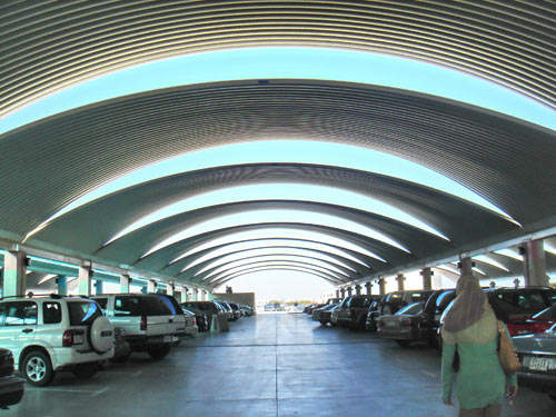 Kuwait International Airport - Parking.