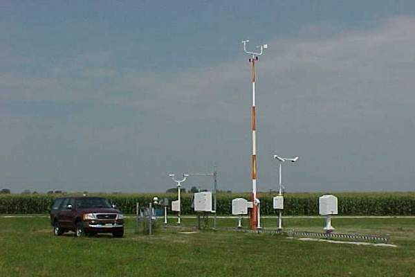 The automated surface observing system (ASOS) at Peoria International Airport, which monitors the weather changes.