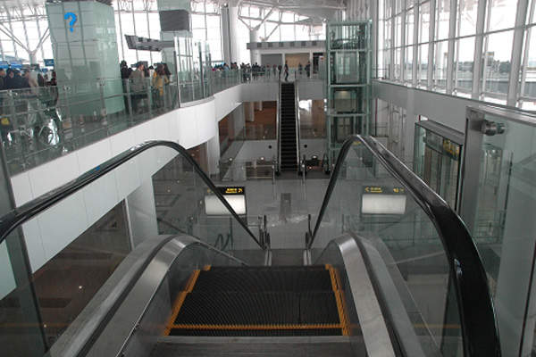 Passenger terminal T1 will be renovated continuously to serve domestic customers. Image courtesy of Airports Corporation of Vietnam.