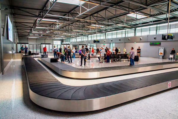 The baggage hall of Terminal C features six baggage carousels.  Image courtesy of Skanska.