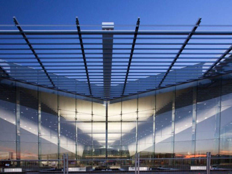 A glass atrium connects the southern and western concourse terminals. Image courtesy of Capital Airport Group Pty Ltd.