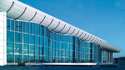 The wavy glass façade of Concourse C.
