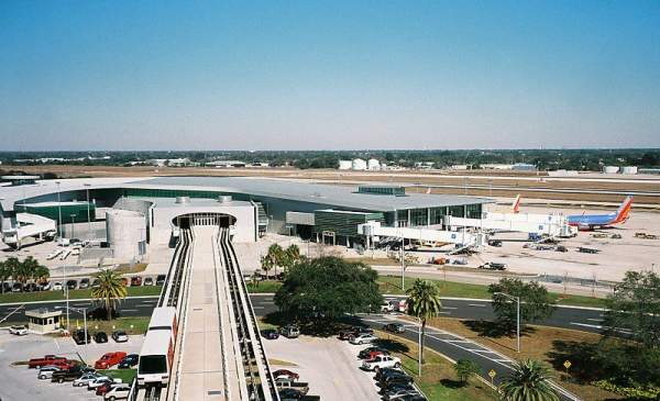 The Tampa International Airport handled 16.92 million passengers in 2013. Image courtesy of James G Howes.