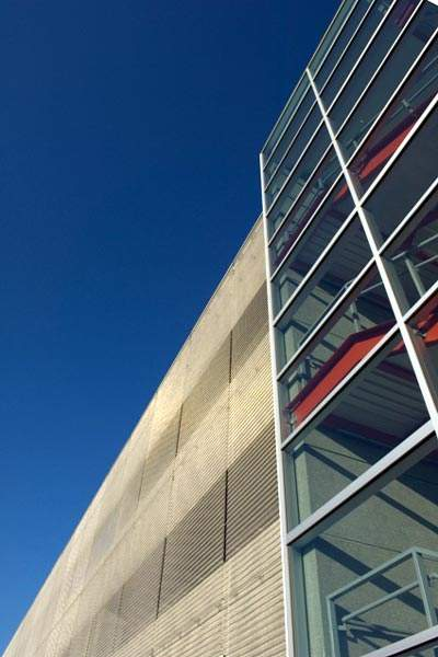 Cambridge Architectural used a special stainless steel mesh in the construction of the Winnipeg Airport parking building.